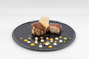 Agnello Cacio e Ovo, una delle ricette del menu del ristorante Il Tartufo.