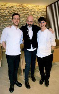 Lo Chef 3 stelle Michelin Niko Romito con lo Chef del ristorante di Borgotufi Marco Pasquarelli e il Sous chef Antonio Intondi.